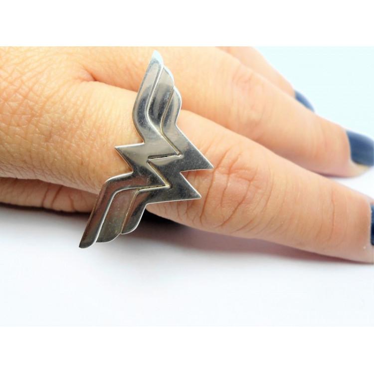 Anel Mulher Maravilha em prata 925